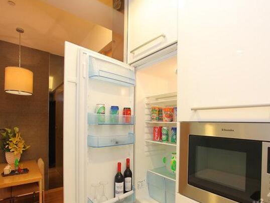 喜运服务公寓(广州琶洲保利世贸店)冰箱微波炉