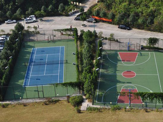 韶关新丰云天海温泉度假村篮球和网球场