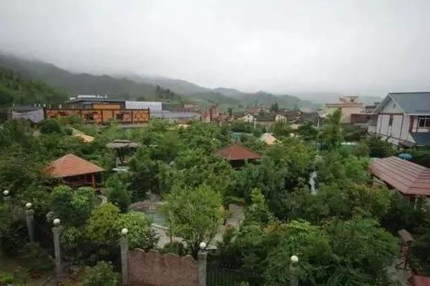 韶关新丰江源温泉度假山庄外观