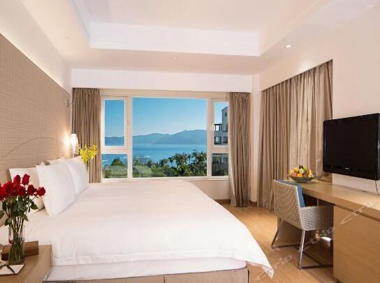 三亚亚龙湾君澜度假酒店(原假日度假酒店)高级海景大床房
