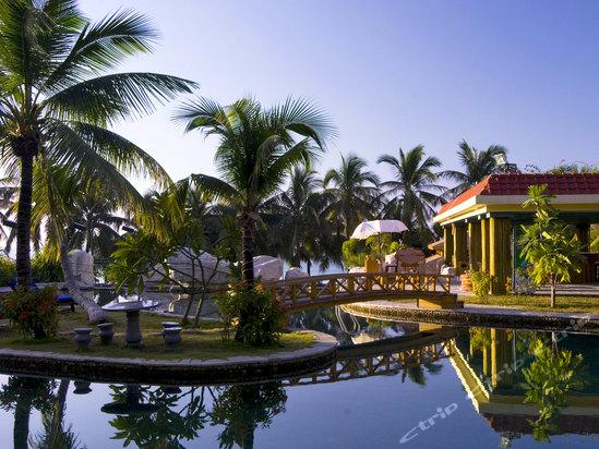 三亚南中国大酒店泳池