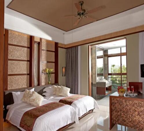 三亚南田温泉好汉坡国际度假酒店经典豪华双床房