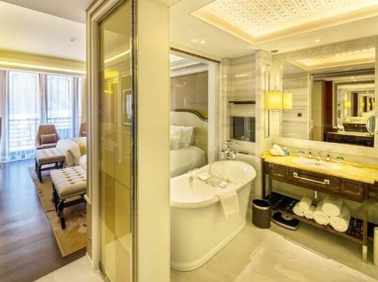 北京海湾半山温泉酒店套房