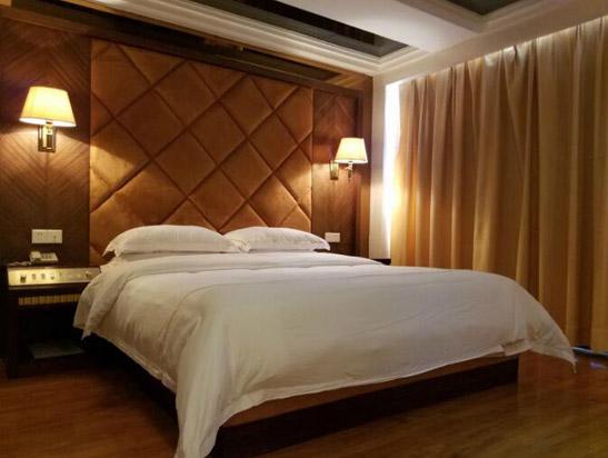 广州增城高滩温泉度假酒店C栋豪华蜜月温泉套房