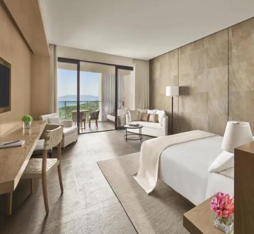 三亚艾迪逊酒店尊享观海大床房