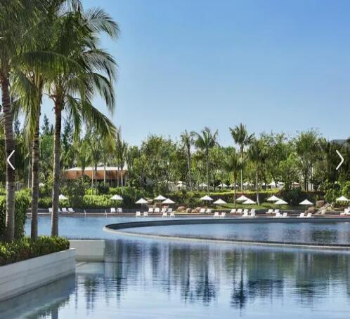三亚艾迪逊酒店游泳池